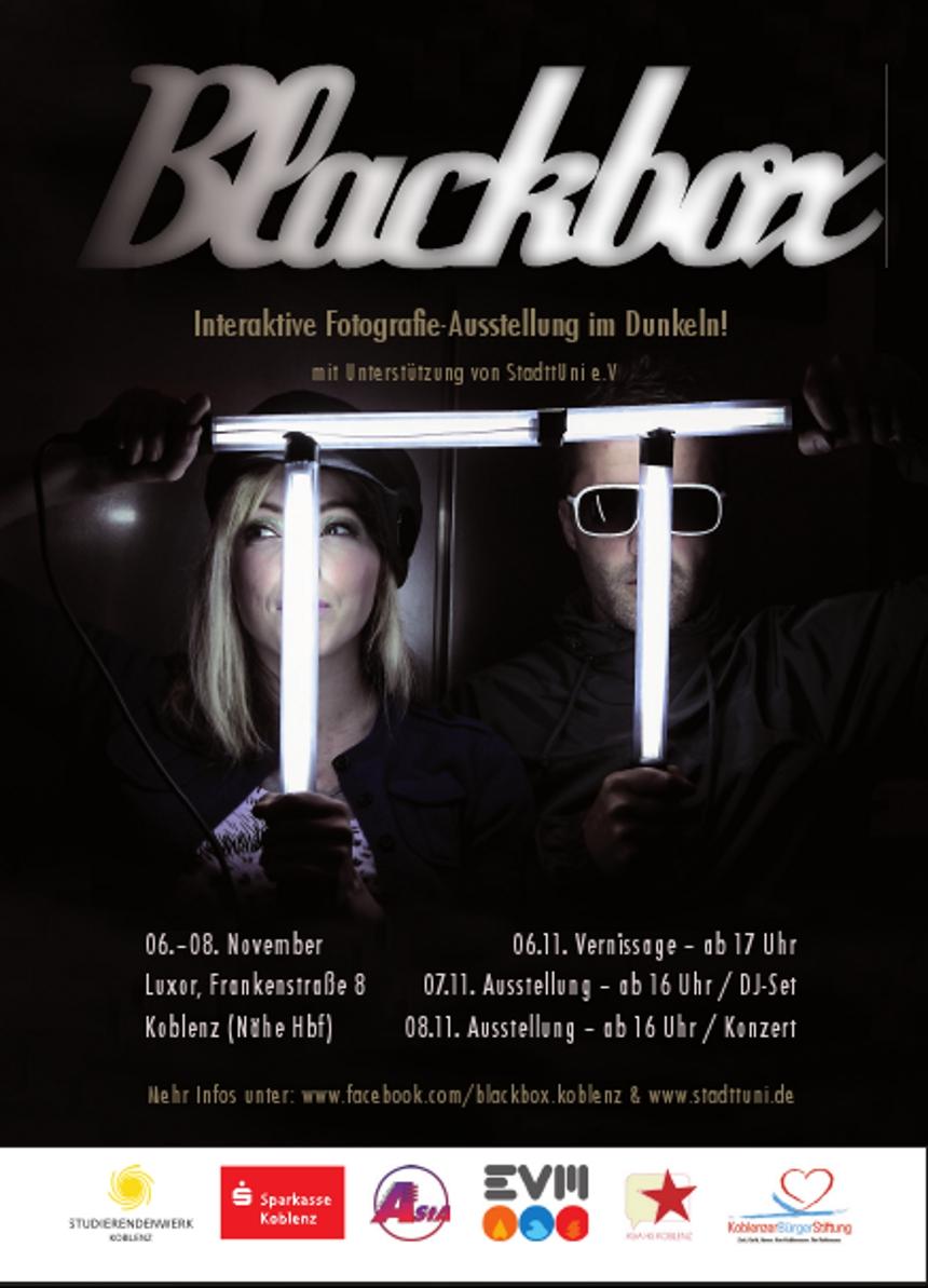 Die Fotoausstellung wird ergänzt von einem DJ-Set und einem Band-Auftritt.