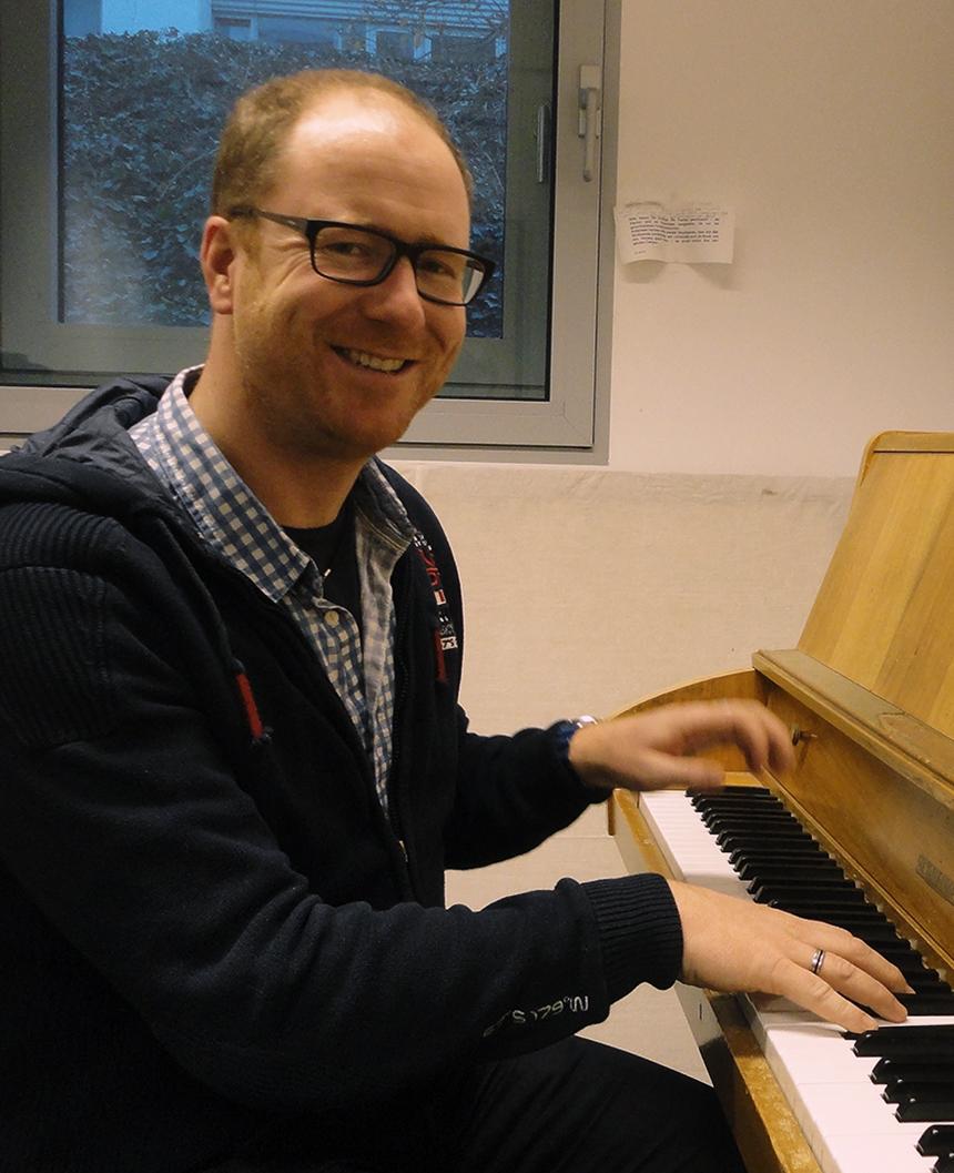 Universitätsmusikdirektor Ron-Dirk Entleutner in seinem Element. Foto: Adrian Müller