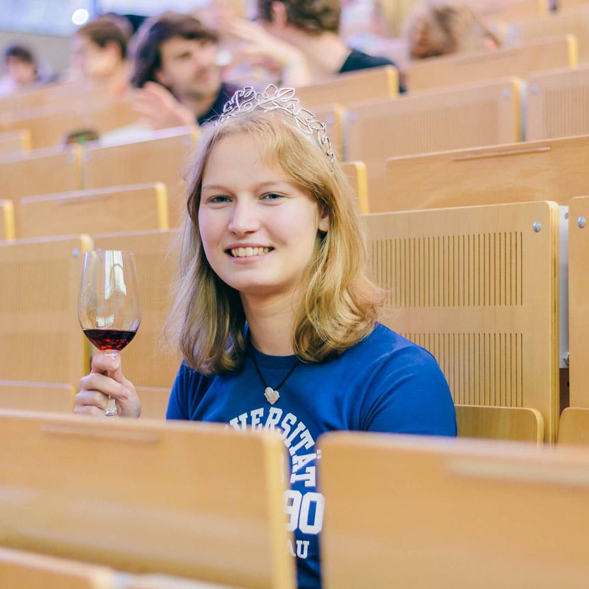 Annas Plan: Studentin unter der Woche und Weinprinzessin am Wochenende. Foto: Lisa Braun