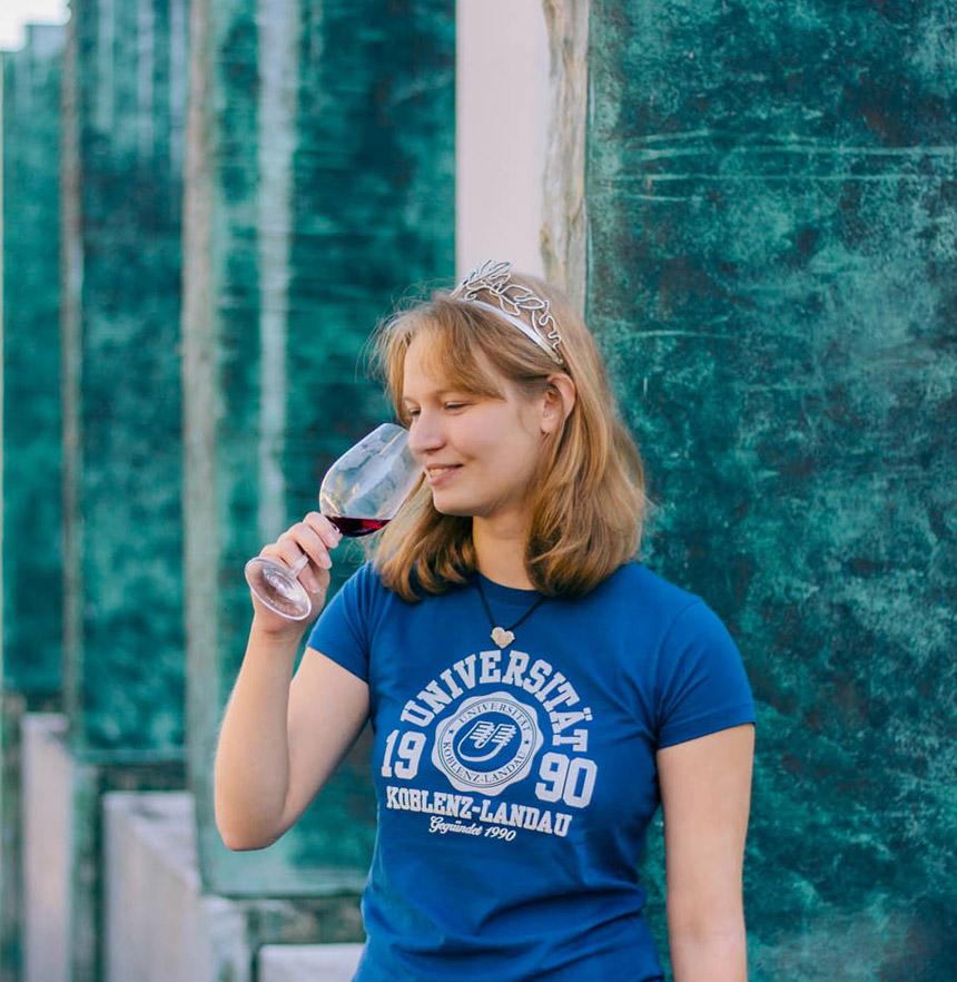 Anna II. ist die 31.Weinprinzessin der Stadt Landau. Foto: Lisa Braun