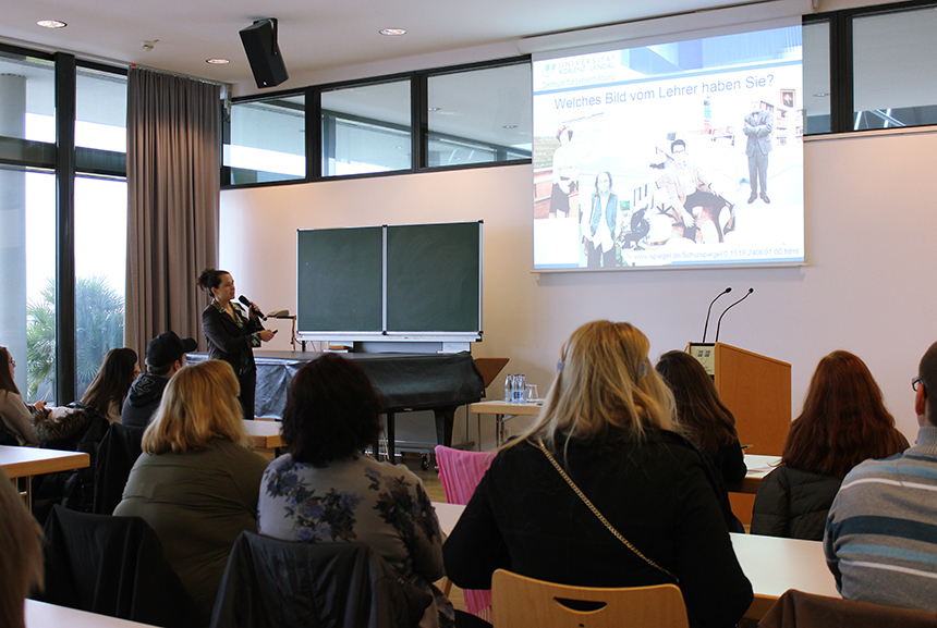 """""""Welches Bild vom Lehrer haben Sie?"""" ist nicht die einzige spannende Frage die Prof. Dr. Ulrike Stadler-Altmann in ihrem Vortag stellt."""