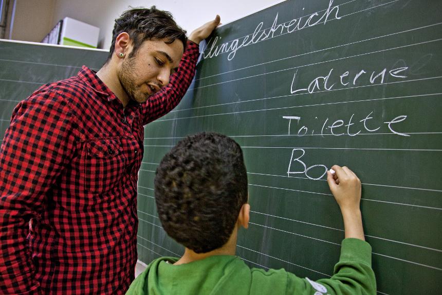 Der Bundesfreiwilligendienst (BFD) kann in verschiedenen Bereichen absolviert werden, z.B. auch in der Integrationsarbeit. Foto: ©BMFSFJ/Bertram_Hoekstra
