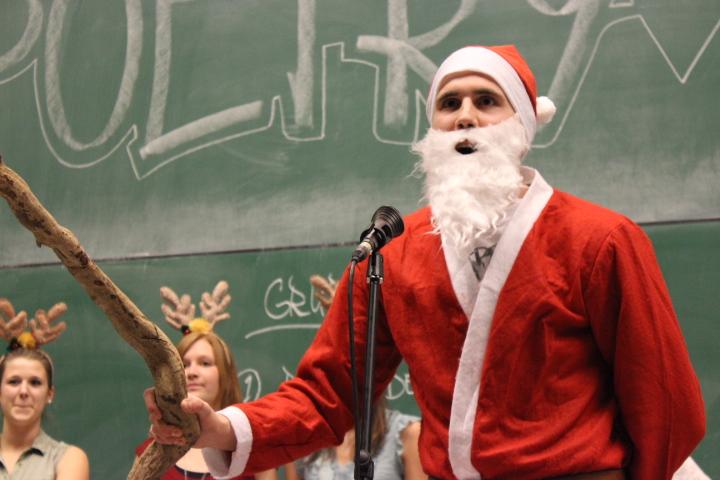 Auch der Nikolaus spricht gern in Reimen.