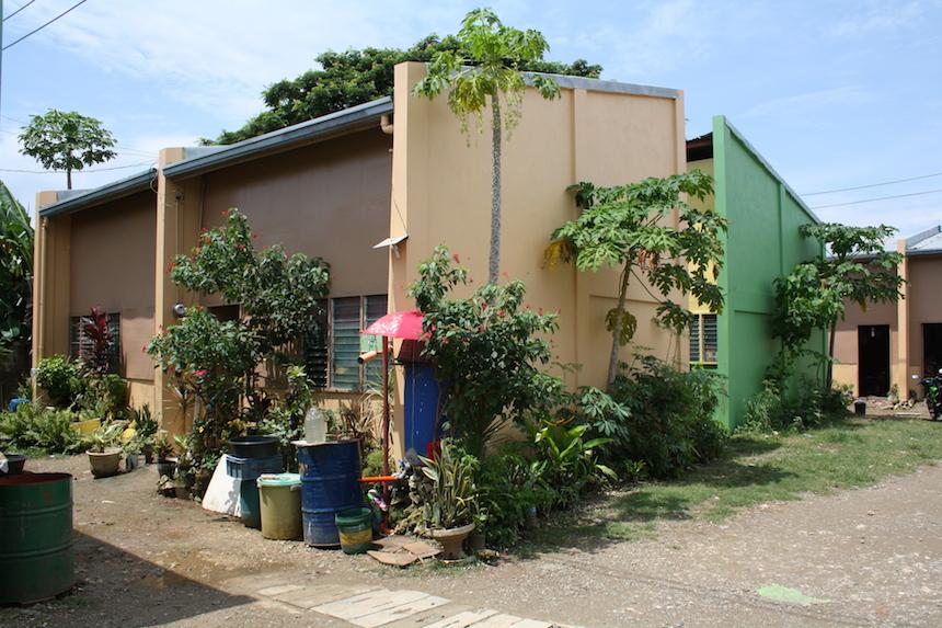 Wie die anderen Familien lebte auch Hackenfort in einem Haus in der Siedlung des Wohnprojekts. Foto: Privat.