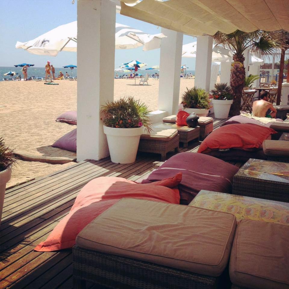 Sonne, Meer, Strand: Nicolas Bräutigam arbeitet dort, wo andere Urlaub machen, zum Beispiel in Malgrat de Mar. Foto: Privat