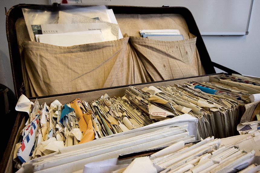 Das Liebesbriefarchiv befindet sich in der Bibliothek am Campus in Koblenz. Foto: Adrian Müller