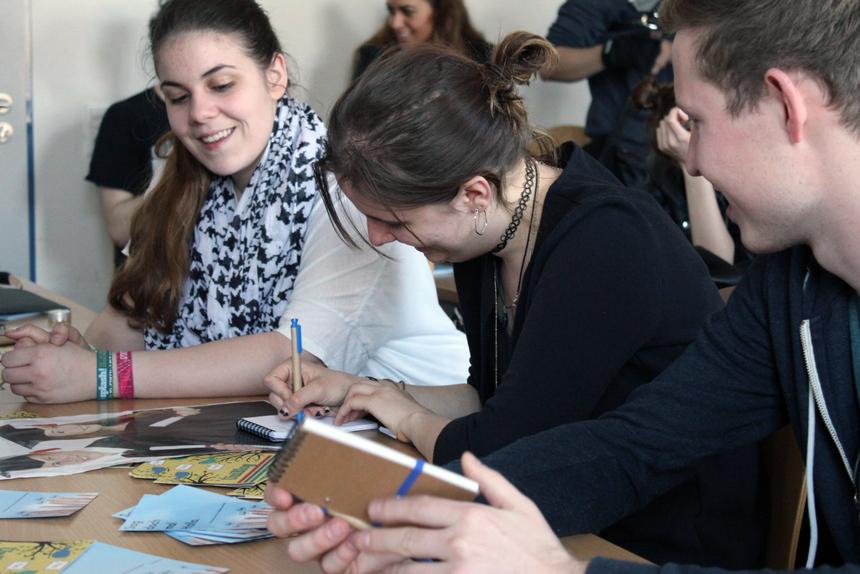 Beim-Uni-Blog-konnten-die-Erstsemester-kreativ-werden-und-sich-in-den-Beruf-des-Campus-Reporters-hineinversetzen.-001