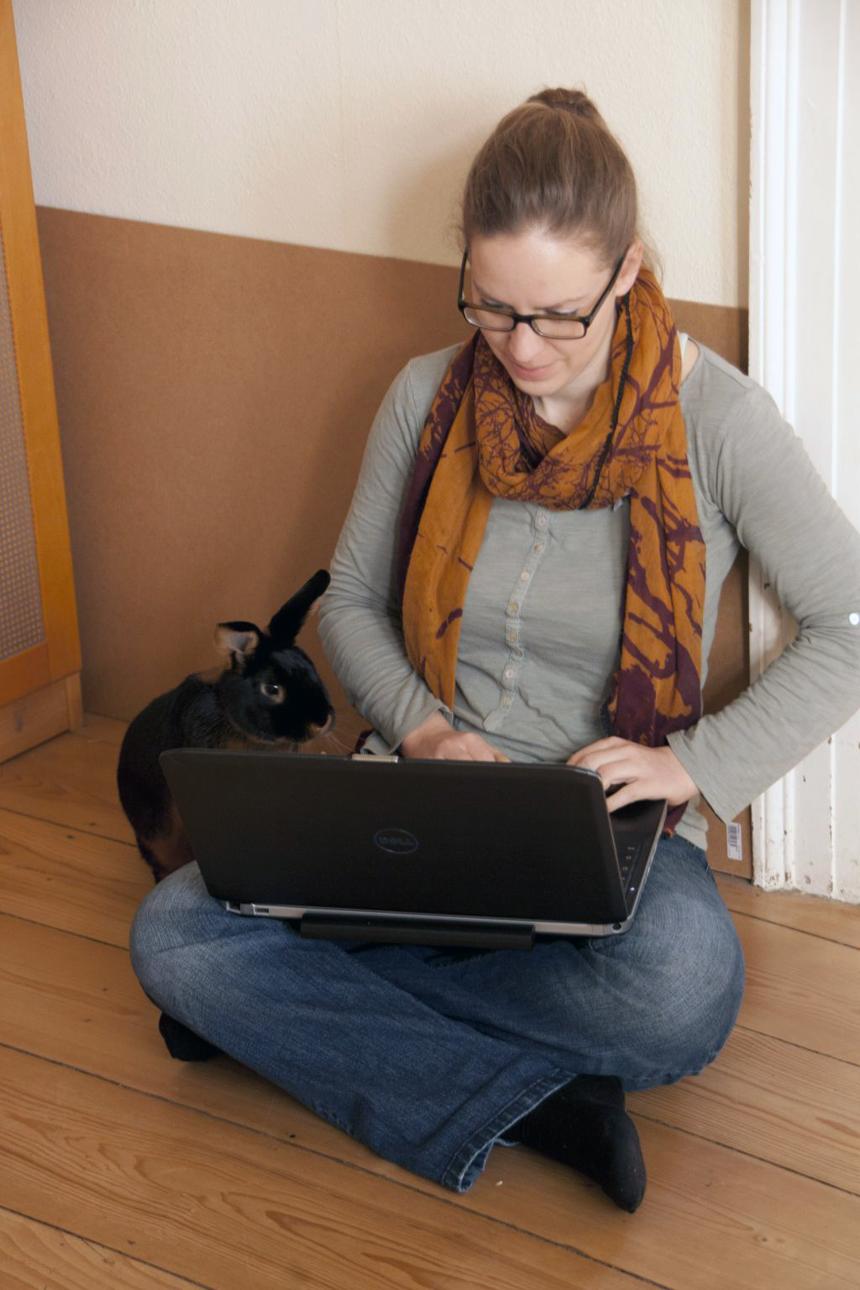 Diplom-Psychologin Anna Halmburger engagiert sich ehrenamtlich für den Tierschutz. Foto: Privat