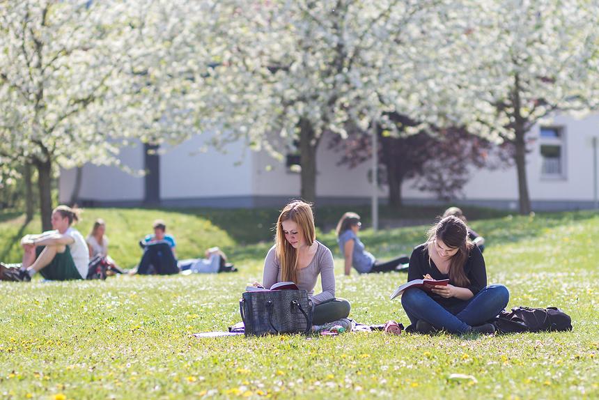 Raus aus der Bib - Lernen im Freien