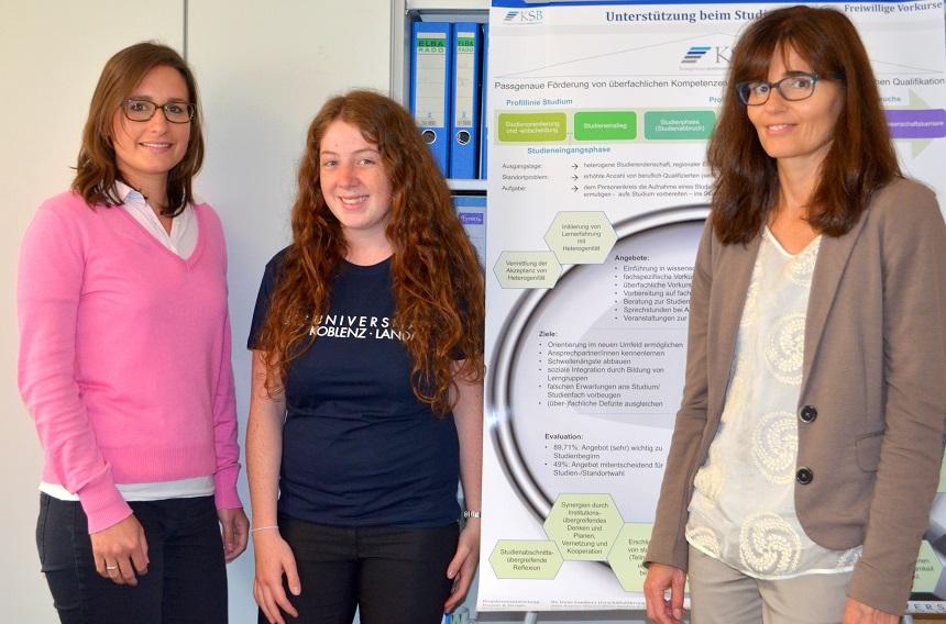 Dozentin Christina Bär, Unibotschafterin Eva Mertes und KSB Mitarbeiterin Anja Kayser (v.L.). Foto: Angela Gräsel