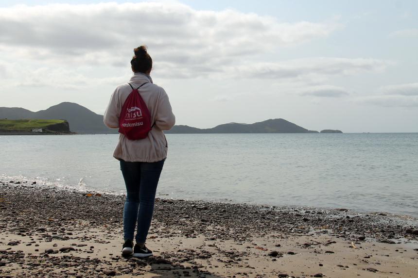 Michelle Bebbon an einer der schönsten Küstenstraßen der Welt: Ring of Kerry. Fotos: Privat.