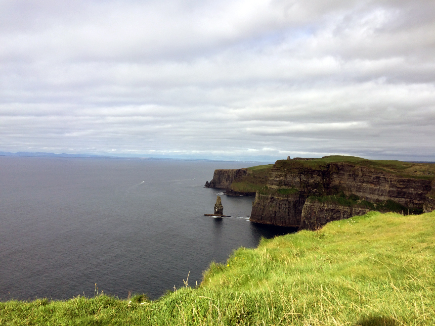 Faszinierende Steilklippen in Irland: Cliffs of Moher.