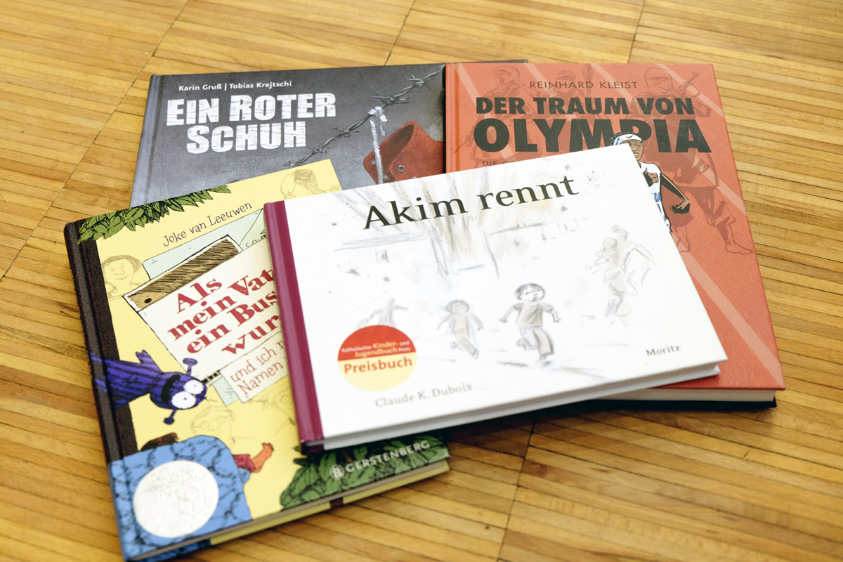 Diese Bilderbücher handeln von Flucht, Folter und Vertreibung und können im Schulunterricht eingesetzt werden.
