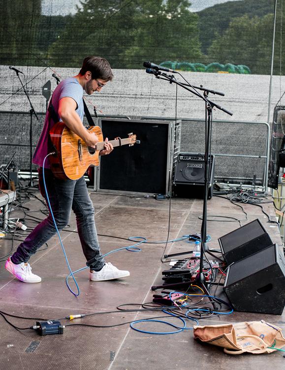 2015 spielte Ijaz Ali auf dem Festival Rheinspaziert in Bad Honnef.