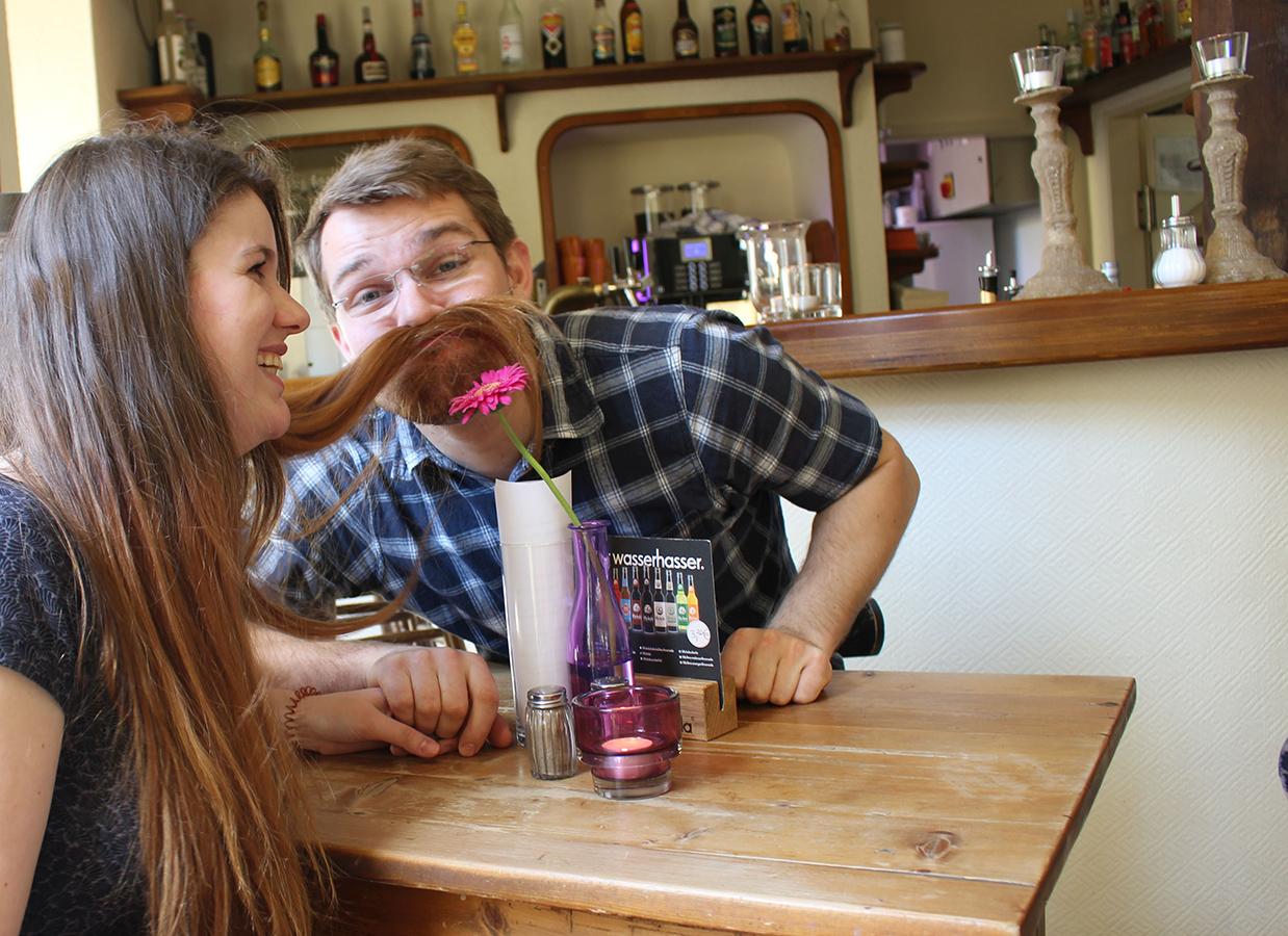 Gemeinsam lachen und rumalbern, das ist für Esther Bauer und Jan Guretzke die schönste Form der Romantik. Foto: Privat