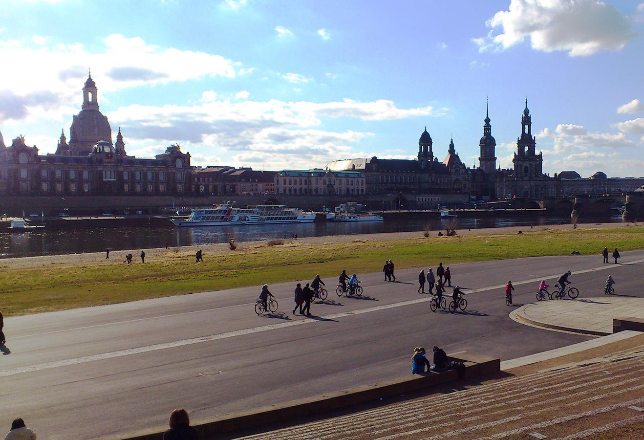 Alte Heimat ade - Neu-Landauerin Nina Seel vermisst vor allem Dresdens imposantes Stadtbild. Ihre neue Studienstadt findet sie aber auch sehr schick. Fotos: Privat