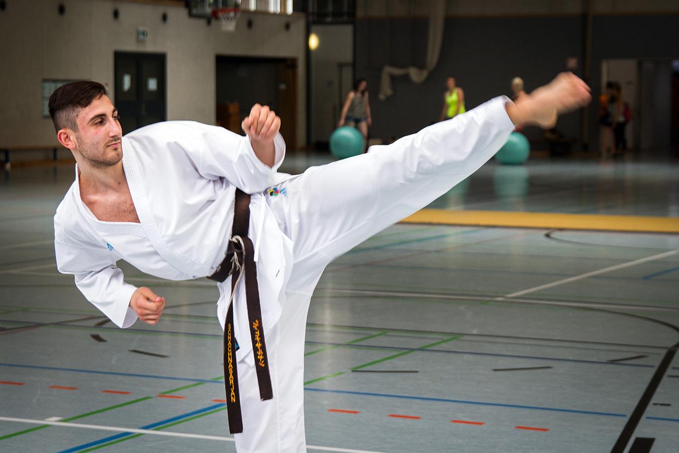 Der Koblenzer Student Abgar Schachnasarjan nimmt im August an der Hochschulweltmeisterschaft im Karate teil. Hierfür geht es mit den anderen Qualifizierten aus Deutschland nach Portugal.
