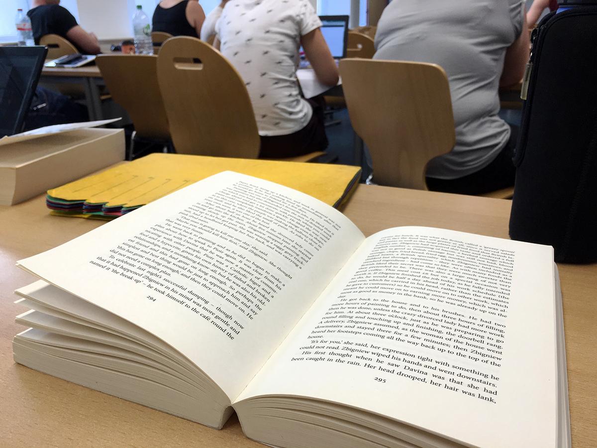 Danach geht es direkt weiter in die Rote Kaserne zum Englisch Literatur-Seminar