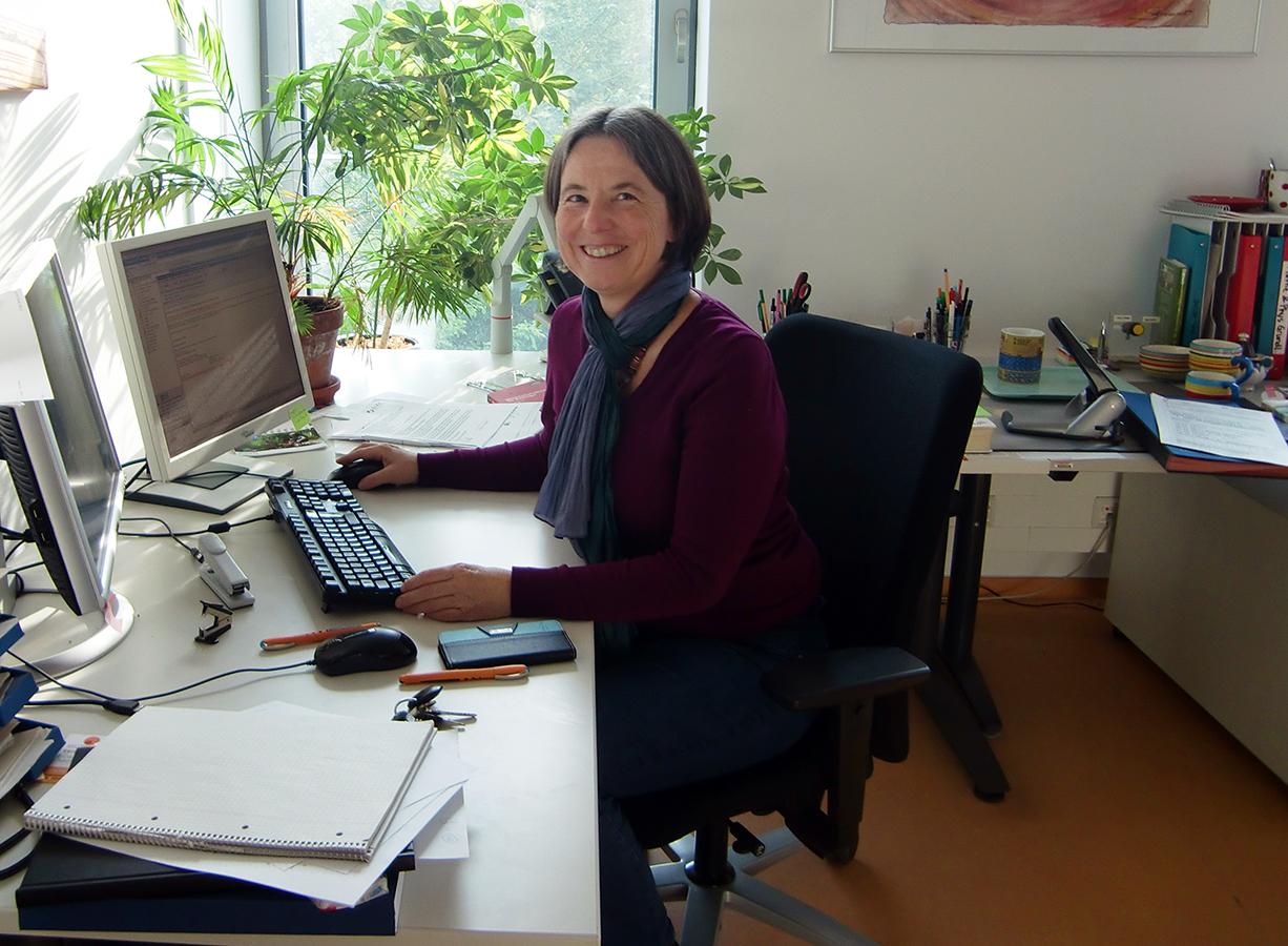 Prof. Gabriele Schaumann ist Sprecherin des Forschungsschwerpunkts AufLand und Dekanin des Fachbereichs 7 Natur- und Umweltwissenschaften am Campus Landau.